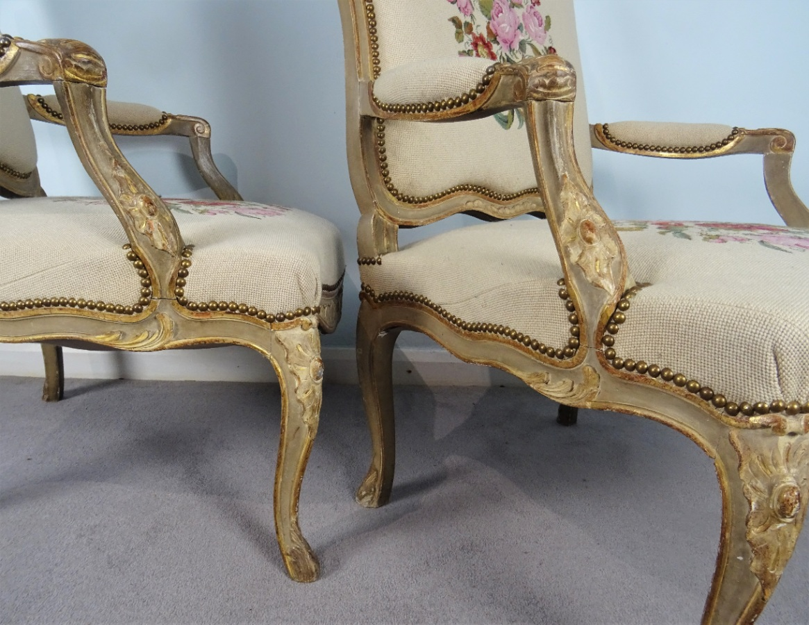 A Fine Pair Of Painted and Gilt French Armchairs (13).JPG
