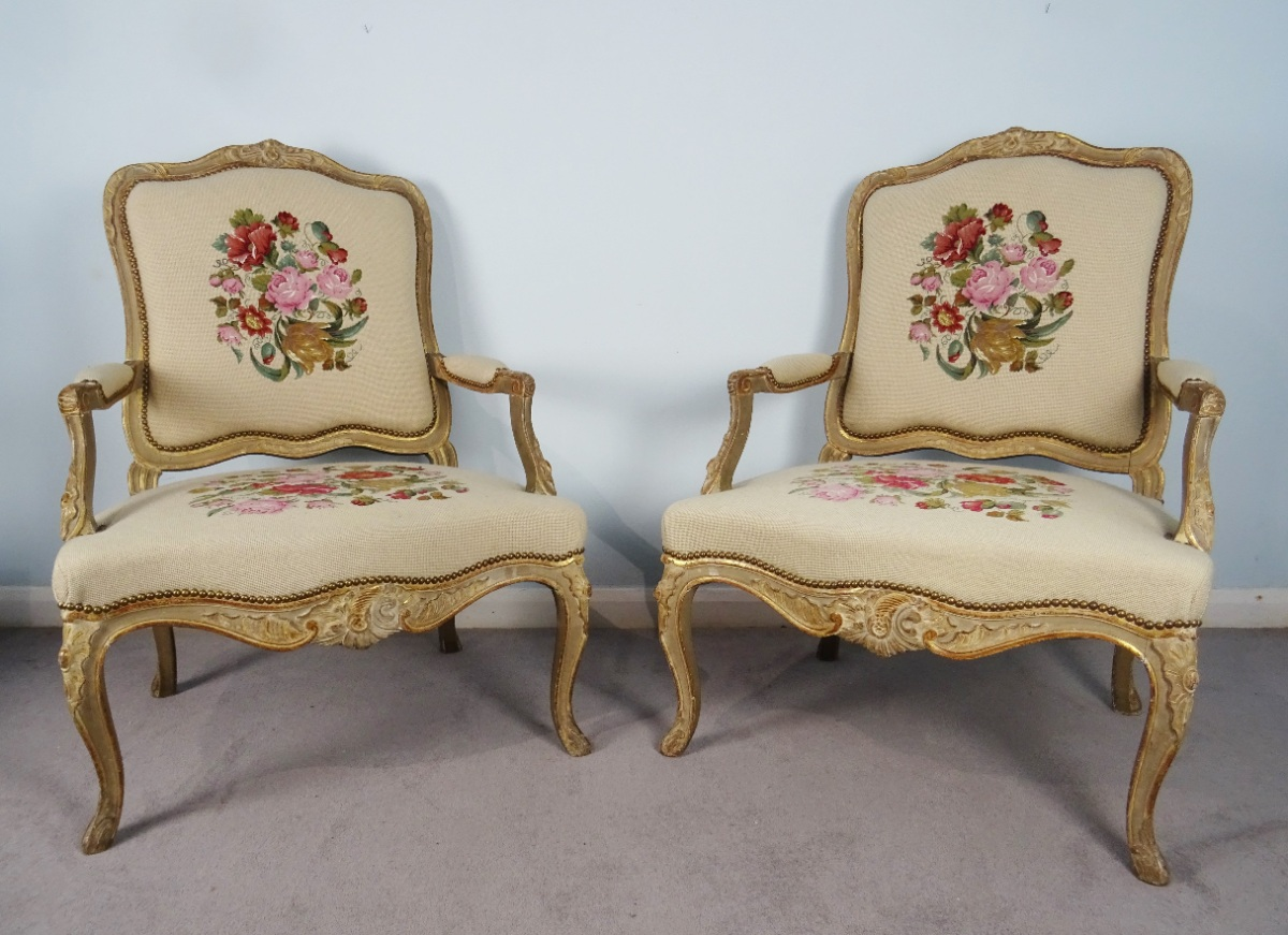 A Fine Pair Of Painted and Gilt French Armchairs (16).JPG