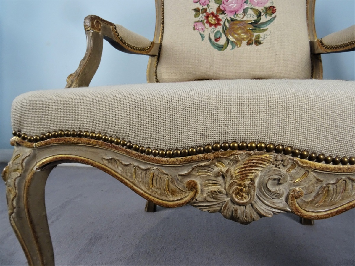 A Fine Pair Of Painted and Gilt French Armchairs (21).JPG