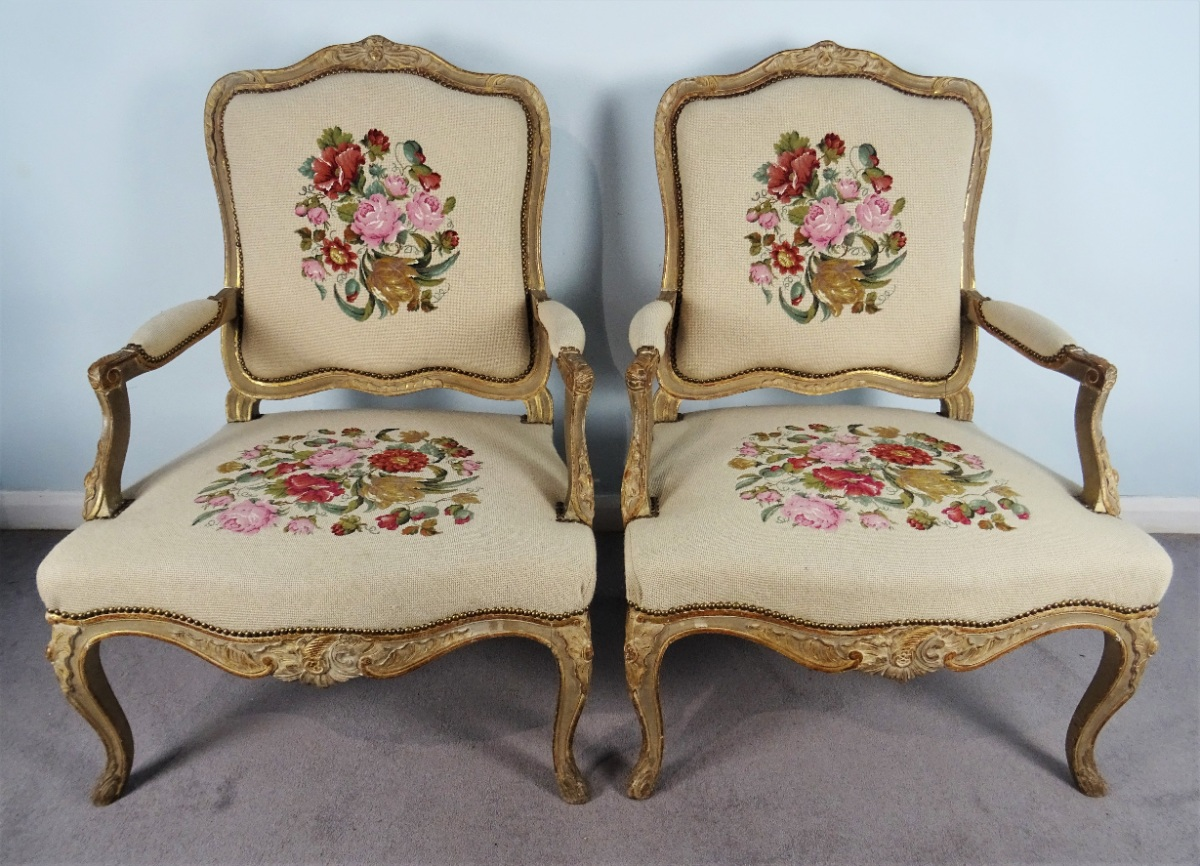 A Fine Pair Of Painted and Gilt French Armchairs (27).JPG
