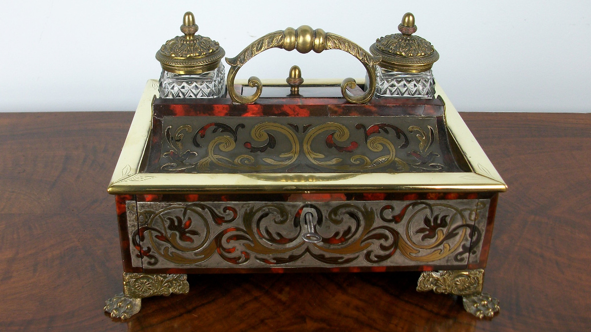 A Late Georgian-Early Regency Inkstand of the highest quality (9)bis.jpg