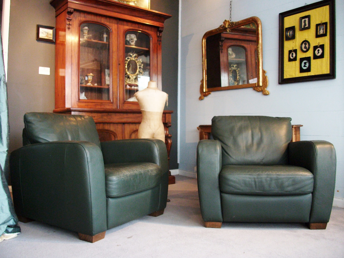 Natuzzi green leather club chair