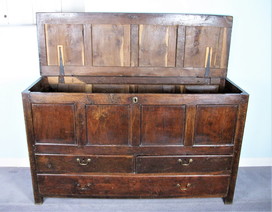 Late 17th Century Welsh Oak Coffer (Coffor) or Mule Chest