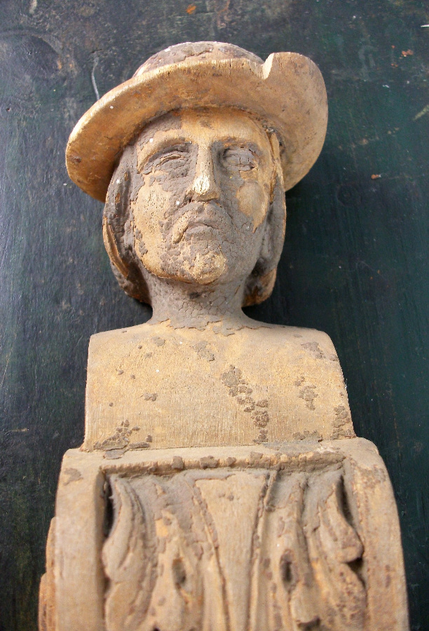 Man with Hat Carving Head Sculpture
