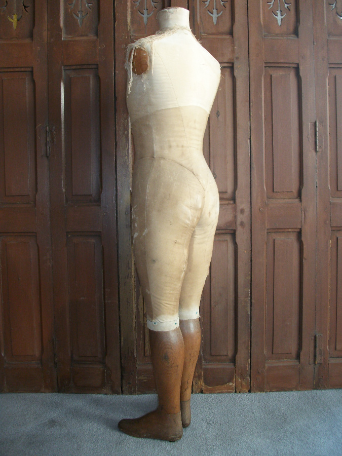 Mannequin by Stockman ivory silk