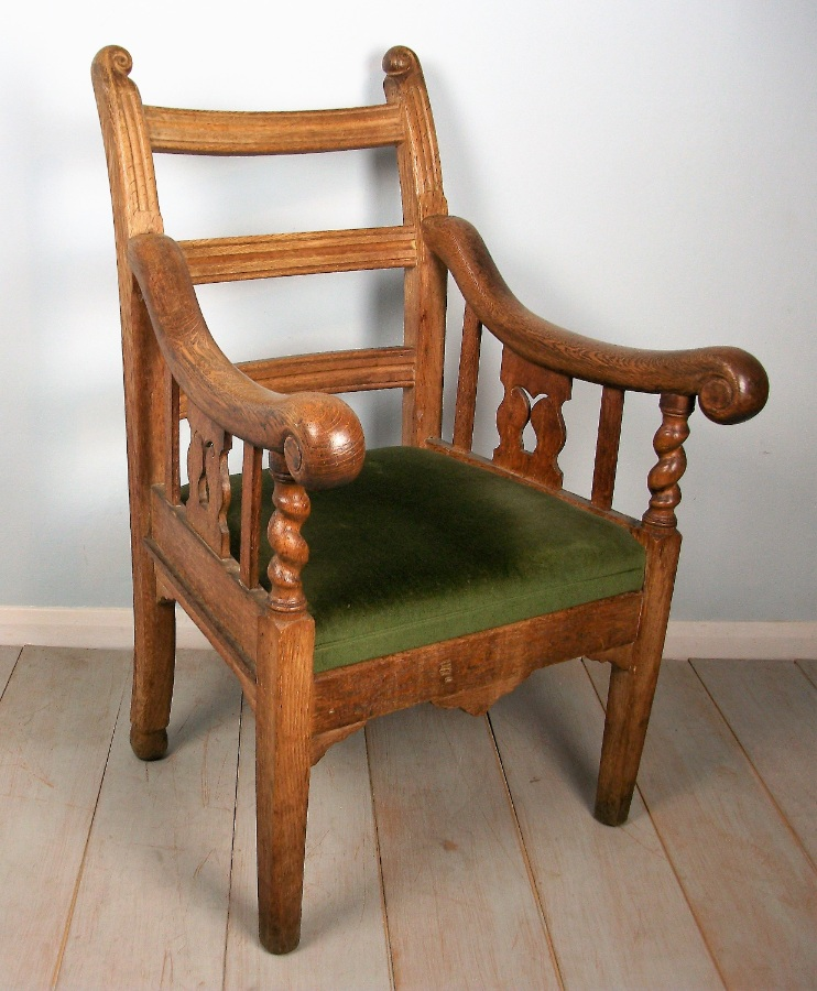 Oak Irish Open Armchair (4).JPG