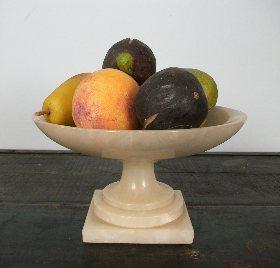 Italian marble stemmed bowl with fruits