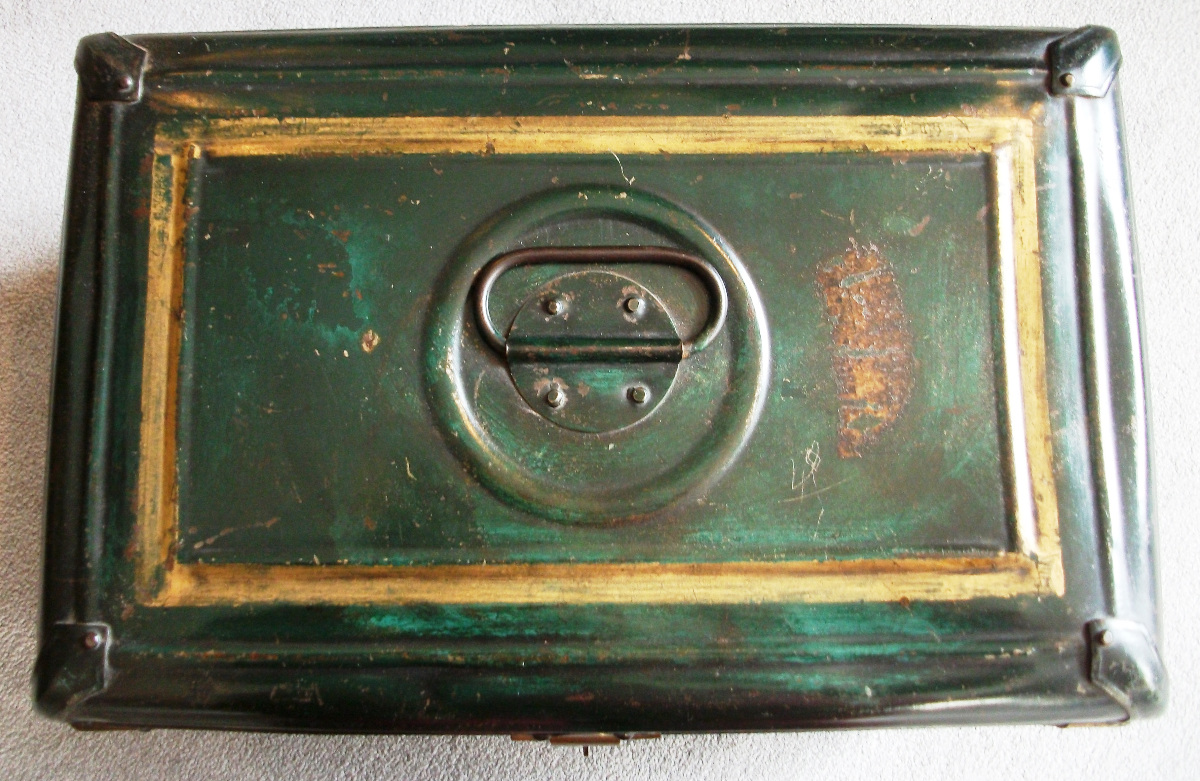 Painted Metal Box with handle on top