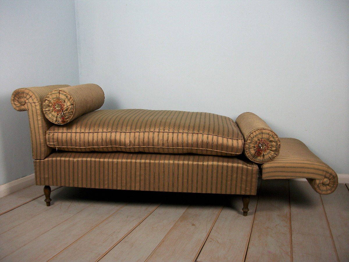 silk covered window seat daybed