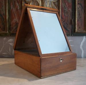 Georgian Mahogany Campaign Box with Shaving Mirror Mirror